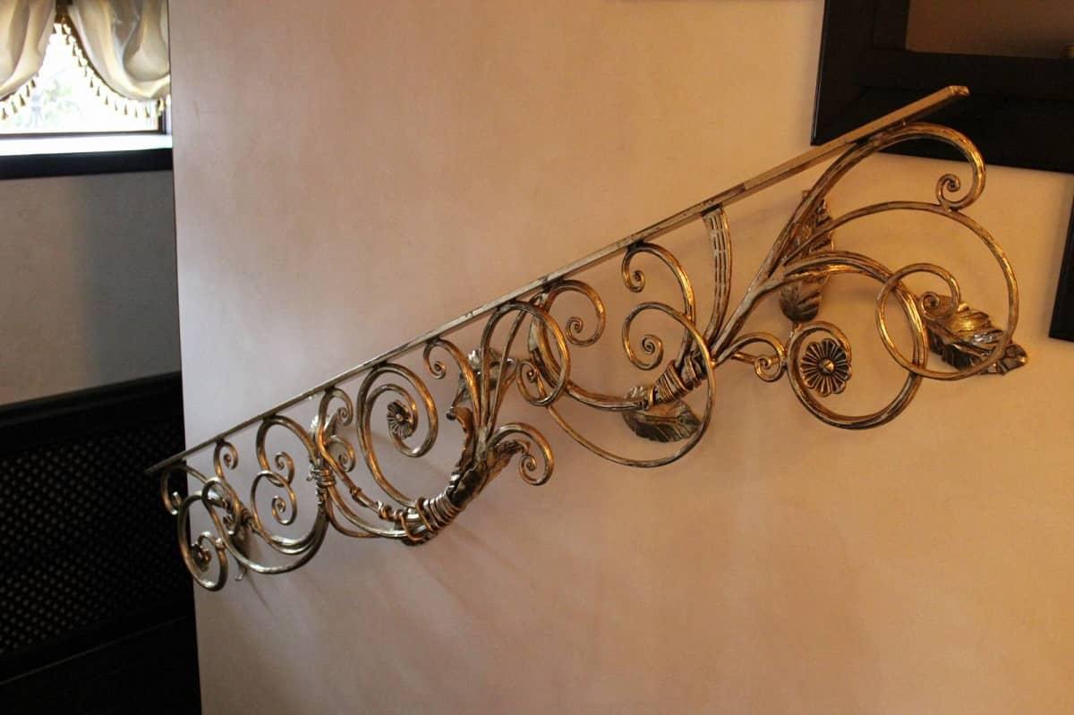 Ковані перила в класичному стилі