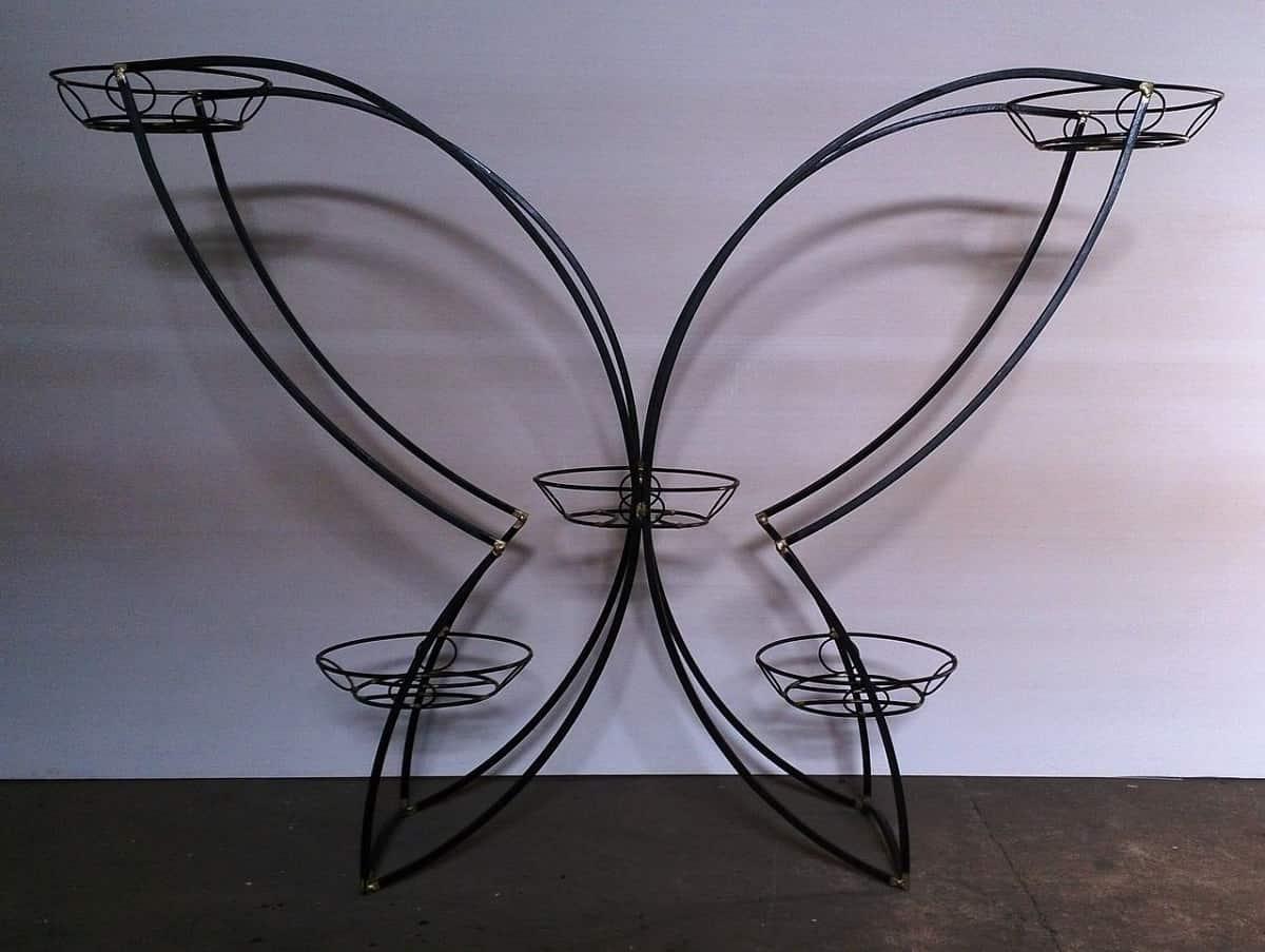 підлогова підставка у вигляді метелика