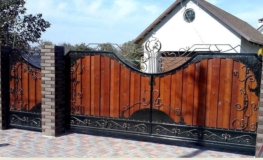 комбинированные кованные ворота