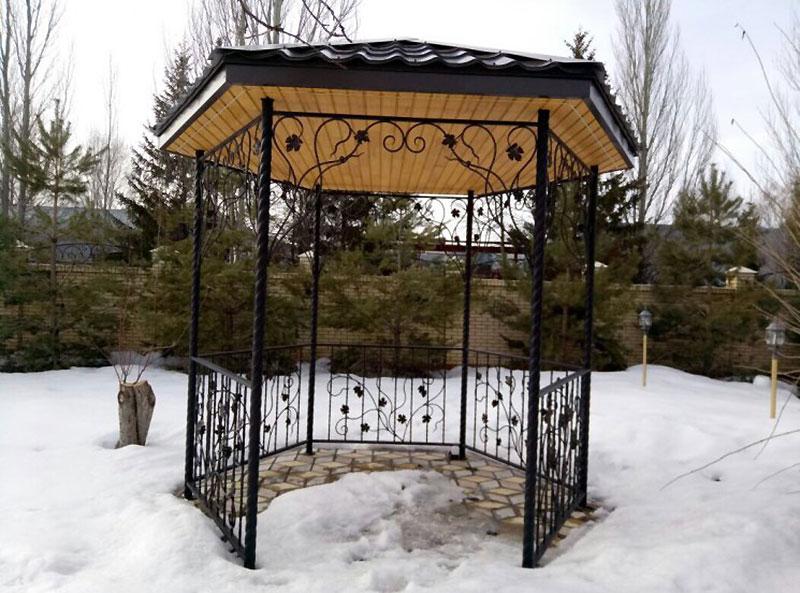 кований сад